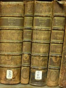 Livres issus de la bibliothèque aulique et intégrés dans les collections de la bibliothèque des Archives (cote O II 27, Breteuil entresol)